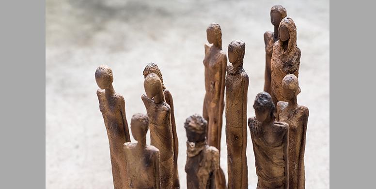 Sculptures céramiques - La marche